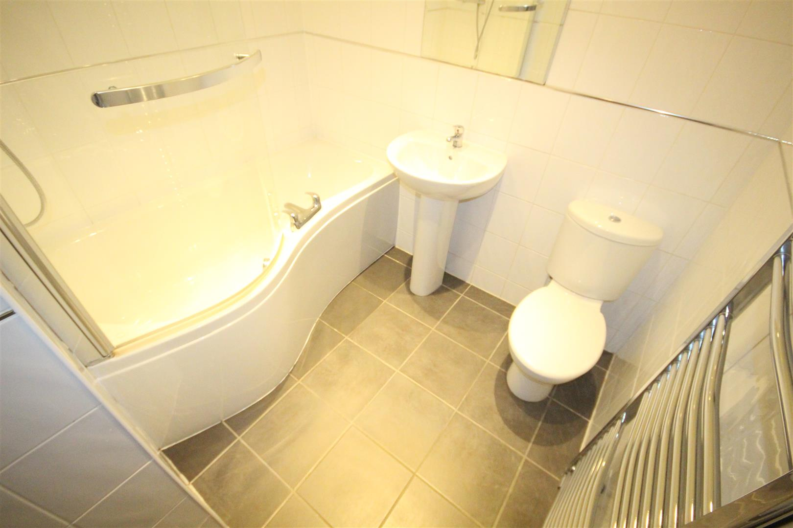 2 bedroom apartment For Sale in Colne - IMG_3460.jpg